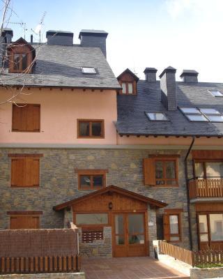 Apartamentos Baqueira & Aigüestortes con jardín privado