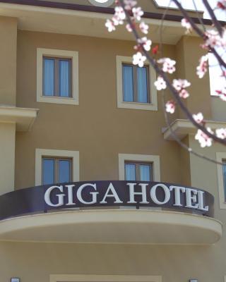 Giga Hotel