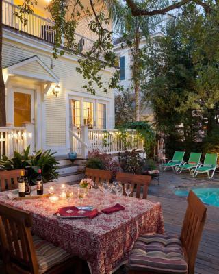 Azalea Inn and Villas
