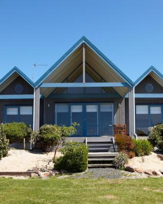 Bear Gully Coastal Cottages