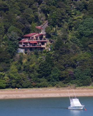 Bay Of Islands Beachhouses