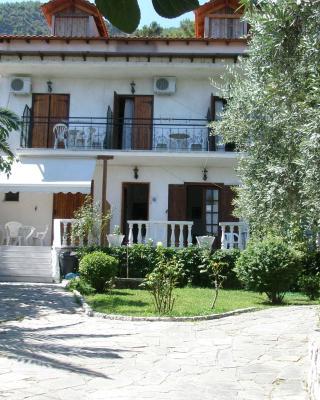 Viki Studios and Apartments
