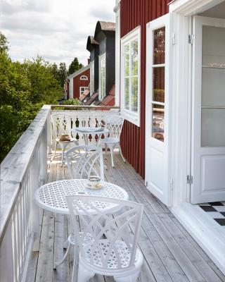 Red Haven Cottage