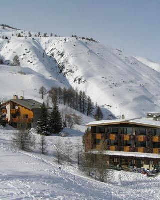 Hôtel Les Lores