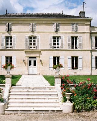 Chateau De Mesnac