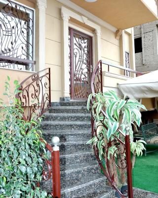 Cairo Plaza Guest House