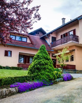Apartments and Rooms Štefanac
