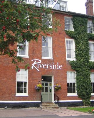 The Riverside House Hotel