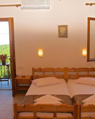 Stavroula Rooms