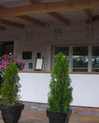 Majatalo & Ravintola Villa Emilia