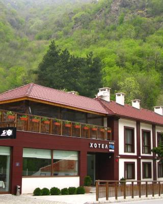 Aqua Varvara Hotel