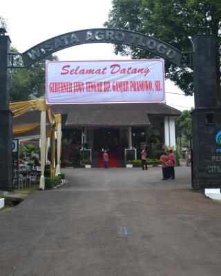 Agro Wisata Tlogo & Resort