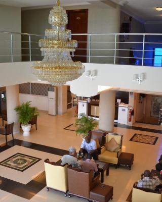 Plus Nobila Airport Hotel