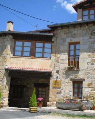 Guesthouse Posada Los Vallucos, San Martín de Elines, Spain ...