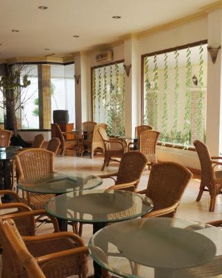 Adisurya Hotel