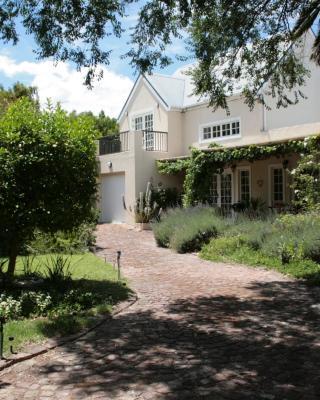 Jonquil Guest Cottage