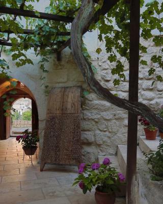 Lamihan Cave Hotel
