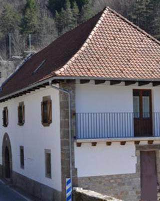 Alojamientos Rurales Apezarena