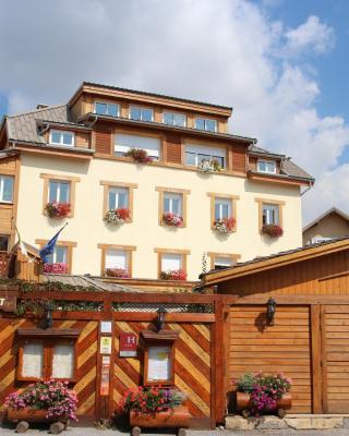 Hôtel Restaurant & Spa Les Autanes