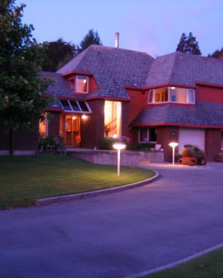 Woodland Glen Lodge B&B