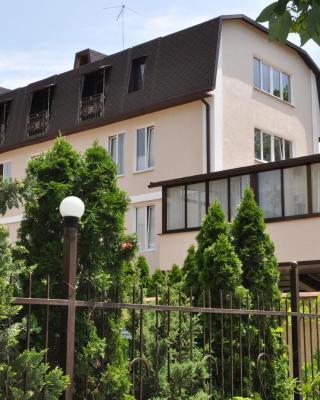 Lilia Guest House