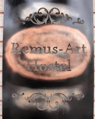 Remus-Art Hostel