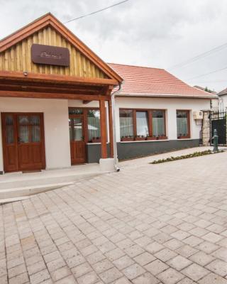 Zsirai Guest House