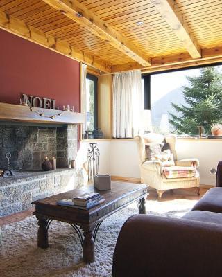 Casa Lola Pirene