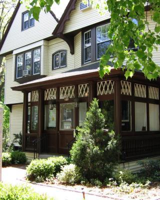 Longwood Inn