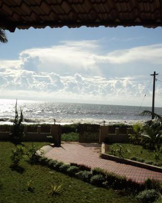 Club 7 Beach Resort