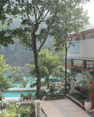 Namami Ganges Resort