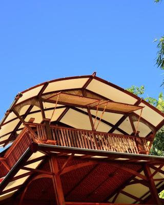 Bonza Bamboo hideaway