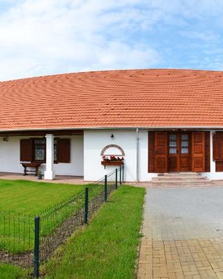 Falusi Patika - Tisza-tó Vendégház