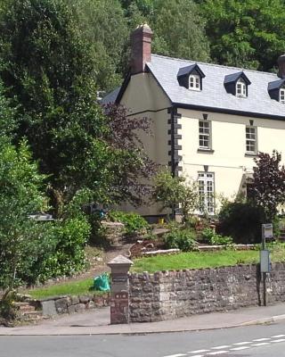Inglewood House