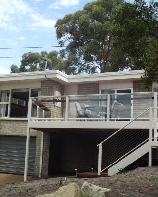 Coningham Beach House