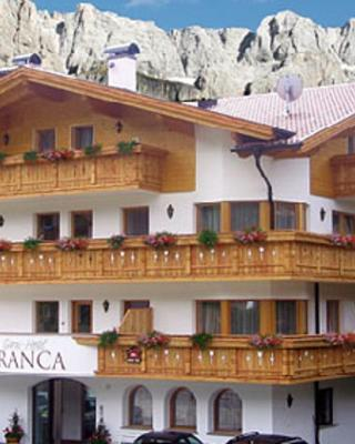 ガルニ ホテル フランカ