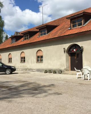 Vana Tall Guesthouse