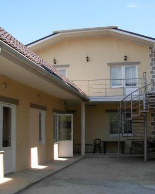 Aprel Guest House