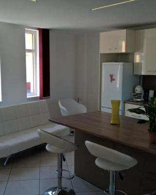 Kazinczy Apartment