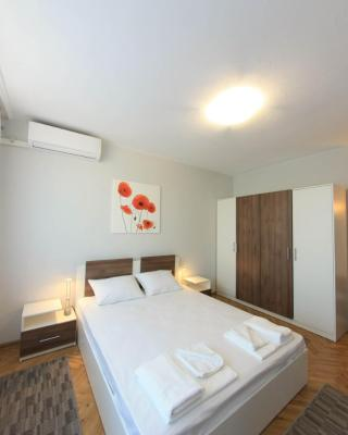 Lazur Apartment Romato