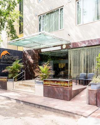 Super Inn Armoise Hotel