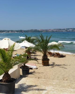 GITEA Sand Lilies Apartments