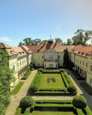 Szidónia Manor House