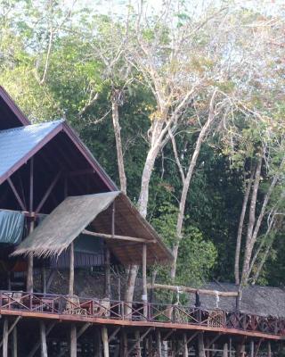 Borneo Natural Sukau Bilit Resort