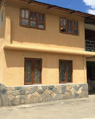 Guest House Guledani