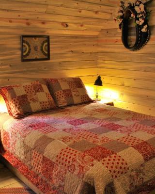 Horse Barn-Silver Room