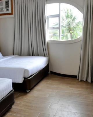S Hotel & Residences