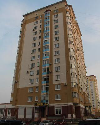 Apartment Home On Oktyabrskaya