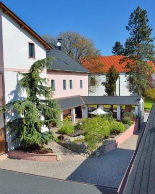 Hotel and restaurant Via Ironia