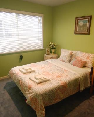 (2A) Cozy Private Bedroom near Daly City BART Subway Station